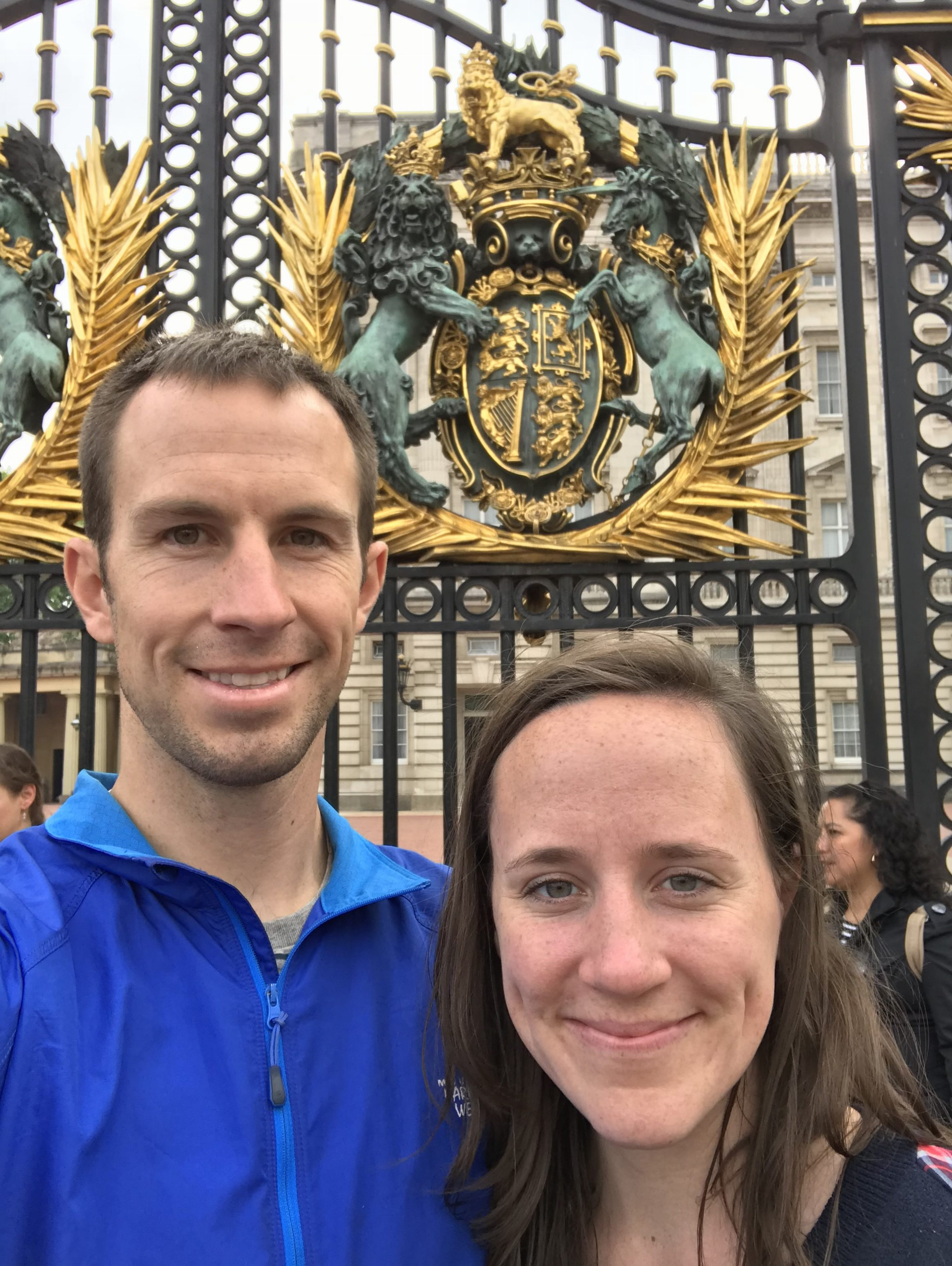 Nick & Bre in front of Buckingham Palace